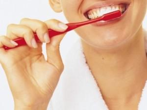 чистим зубы правильно