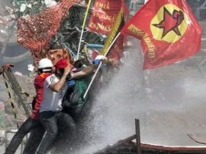 Разгон демонстрантов в Стамбуле