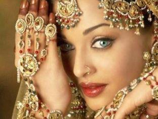 Женщины звезды индии эрофото стюардессы