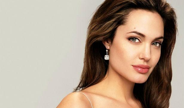 Анджелина Джоли рассказала о том, что ей осталось жить три ... анджелина джоли как сейчас живёт