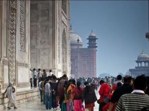 В давке в китайской мечети погибли 14 человек
