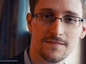 Сноуден заявил, что рассекретил данные спецслужб для защиты конституции США