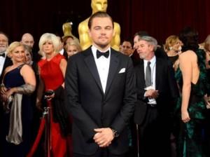 Челябинский театр подарил Леонардо ДиКаприо почетный статус и чугунный «Оскар»