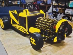 Рабочий автомобиль, собранный из конструктора LEGO (видео)