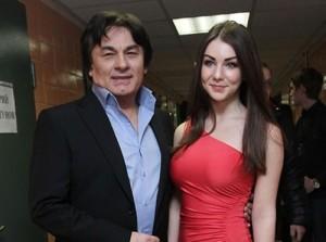 17-летняя певица рассказала о романе с 60-летним Александром Серовым