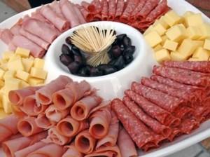 Ученые приравняли употребление сыра и мяса к никотиновой зависимости