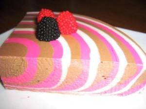 Как приготовить полосатый творожный десерт?