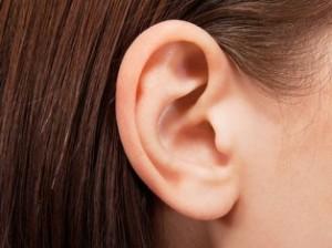 На концерте регги-группы UB40 у женщины пошла кровь из уха