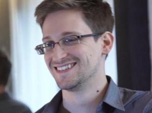 Сноудена берут в доктора университета