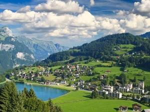 Швейцарцы на референдуме отказались от самой высокой в мире минимальной зарплаты