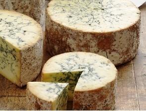 Порция стилтонского сыра с плесенью вызывает странные сны