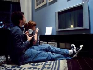 Несчастные люди чаще смотрят телевизор