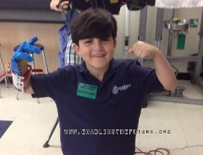 Учителя и ученики в США создали 3D-протез для мальчика без руки