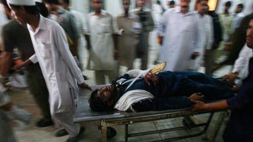 При атаке боевиков на аэропорт в Пакистане погибли пять человек