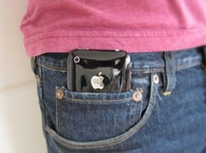 Телефоны в карманах брюк могут привести к бесплодию у мужчин