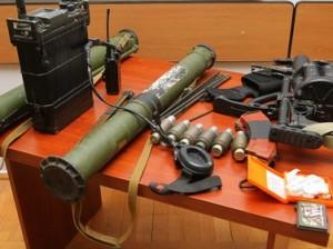 снимки оружия и технических средств, изъятых у азербайджанских диверсантов
