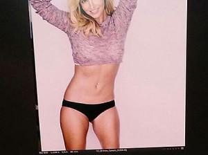 Бритни Спирс похвасталась стройной фигурой