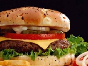 Тягу к нездоровой пище вызывают кишечные бактерии?
