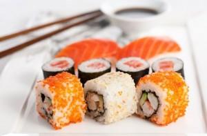Японцы научились готовить суши при помощи акупунктуры
