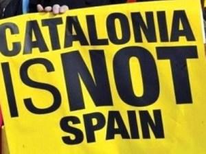 КС Испании признал указ о референдуме в Каталонии недействительным