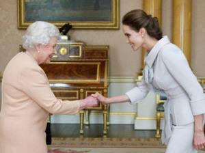 Королева и Джоли