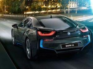 BMW отпразднует 100-летие выпуском супермощного спорткара i8S