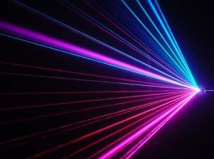 Ученые научились передвигать предметы с помощью светового луча