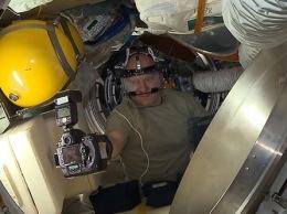 Космонавт показал, как сделать селфи на МКС