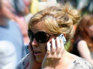 iPhone 6 вырывает людям волосы