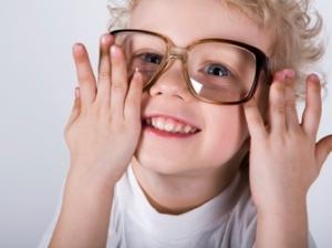 Стоит ли детям носить контактные линзы