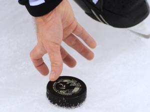 8-летний мальчик скончался из-за хоккейной шайбы во Франции
