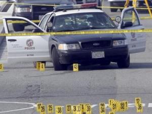 расстреляли автомобиль с двумя полицейскими