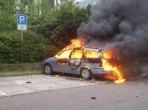 во франции сожгли автомобили