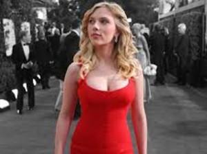 женщины в красном белье