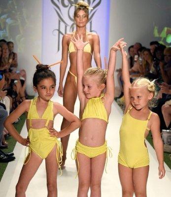 Юнные модели бикини фото