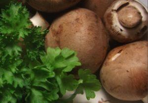 Петрушка и грибы