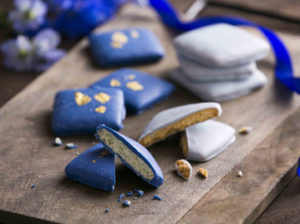 синий шоколад