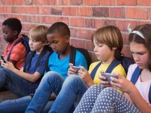 телефоны в школах