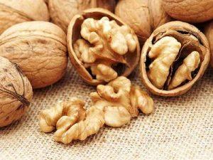 Вчені: Волоські горіхи здатні зменшувати ризик смерті у людей