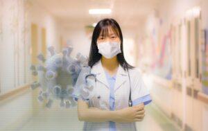 Почему курящие реже заболевают коронавирусом — исследование японских ученых