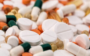 МОЗ запропонувало українцям випробувати на собі ліки від коронавірусу